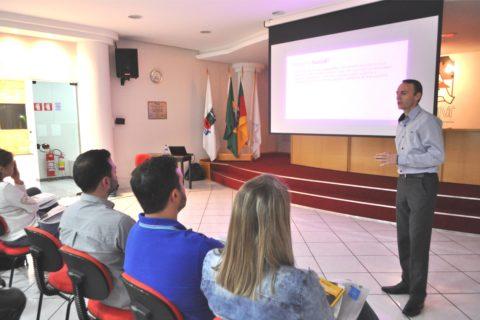 ACINT e Sicredi firmam parceria para beneficiar empresas do município
