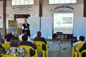 Diretor executivo apresentou os produtos e serviços da instituição