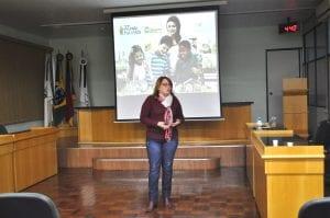 Assessora pedagógica Jandira Brochier Freitas conduziu o encontro
