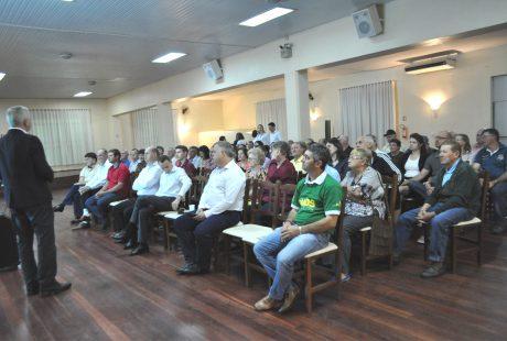 Caravana Sicredi reúne-se com associados em Não-Me-Toque