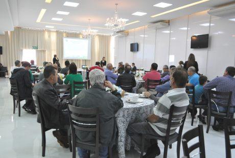 Sicredi Alto Jacuí reúne-se com produtores rurais de Carazinho