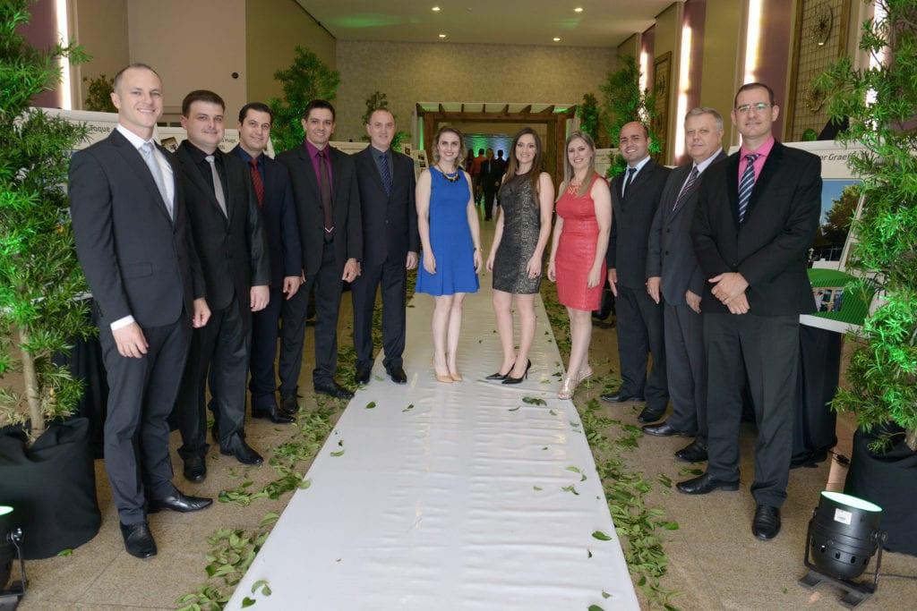 Parte da equipe de gerentes da Sicredi Alto Jacuí