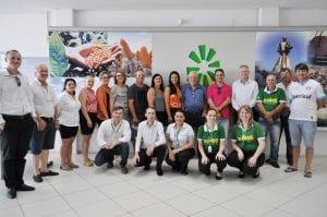 Ganhadores acompanhados da diretoria, colaboradores e conselheiros