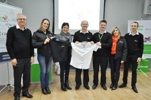 Secretaria de Educação de Carazinho recebeu doação de uniformes em desuso