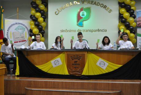 Cooperativa escolar é fundada em Não-Me-Toque