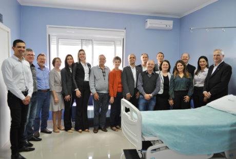 Hospital Beneficência Alto Jacuí reinaugura quarto através de recursos doados pelo Sicredi