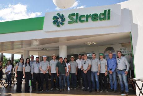 Sicredi firma acordo de cooperação para aquisição de sistema tecnológico de sementes e fertilizantes
