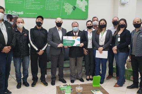 Entidades de SC recebem recursos do Fundo Social da Sicredi Cooperação RS/SC